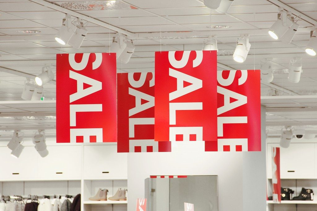 store red sale signs